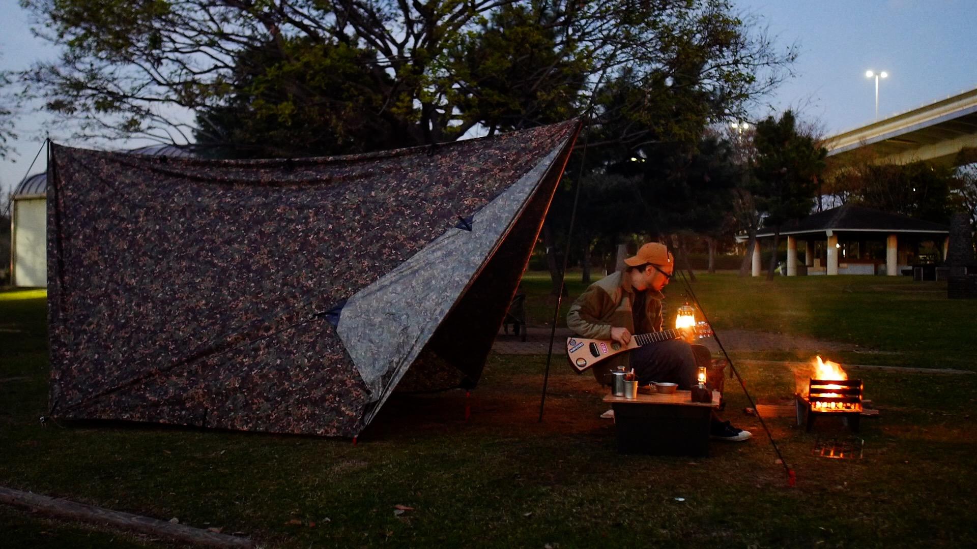 日が暮れてキャンプ