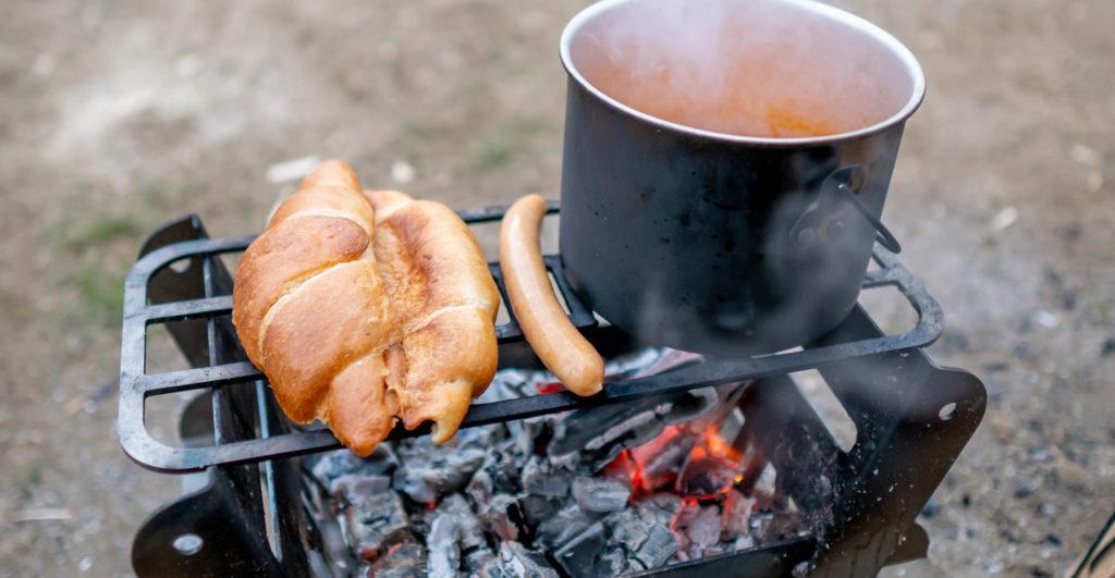 焚き火台COOKING FIRE PIT SOLOで朝ごはんを作る
